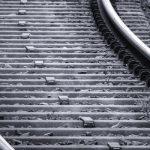 ⟦Железнодорожные шпалы⟧ Деревянные, железобетонные, пластиковые  (длина, размеры, виды)