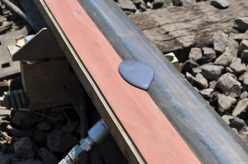 Поверхность железной дороги - модификатор трения Keltrack
