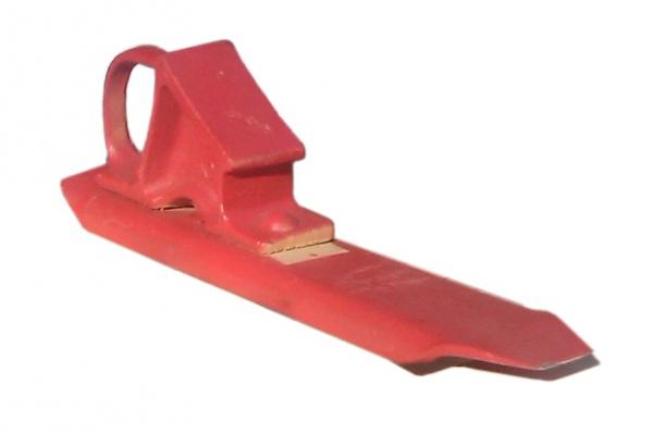 Тормозной башмак состоит из: подошвы, опорной колодки с ручкой, крепления головки к подошве.